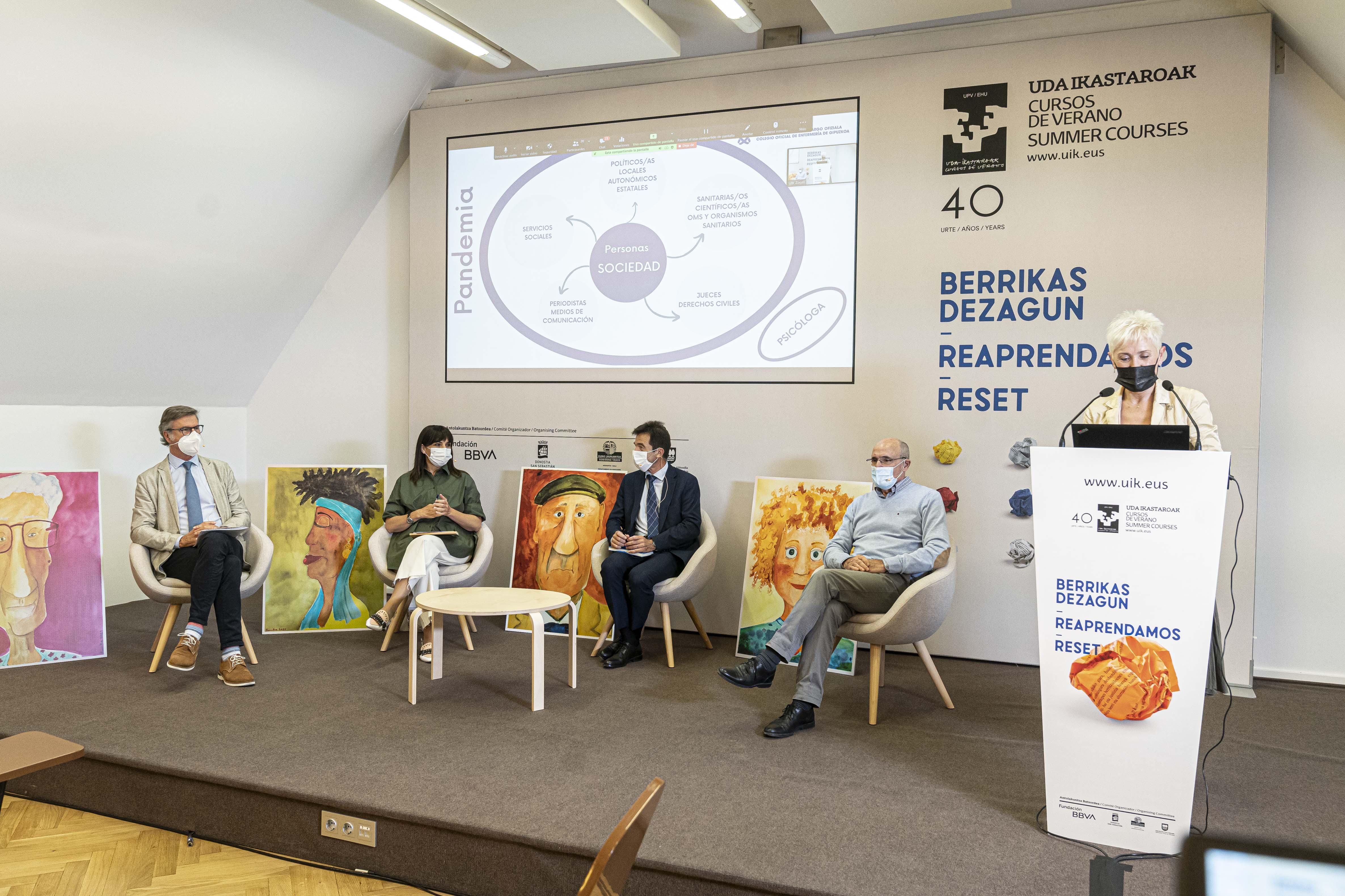 Rafael Bengoa, Gurutz Linazasoro, Estibaliz Ruiz, Mª Pilar Lekuona y Juan Jose Alvarez